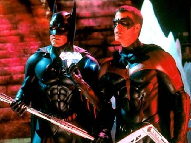 喬治柯隆尼(左)與克里斯歐唐納被力邀再度客串扮演超級英雄。圖/摘自imdb
