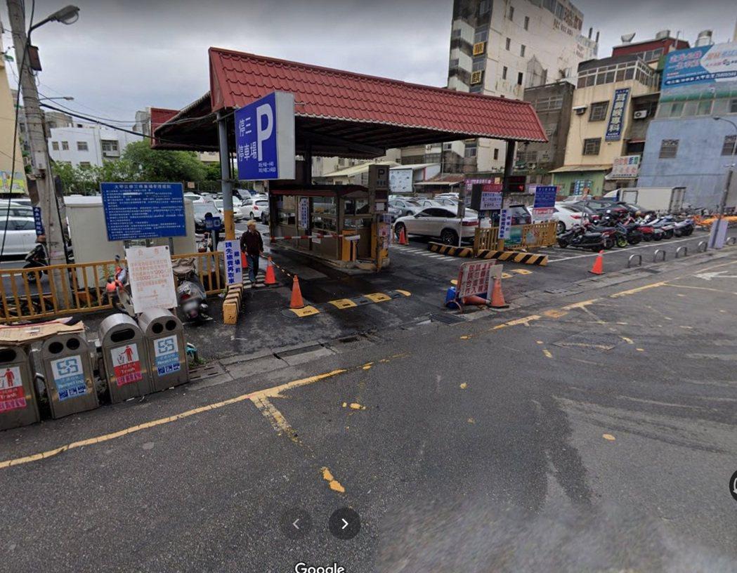 台中市大甲鎮瀾宮旁的停三停車場。圖/取自Google街景照