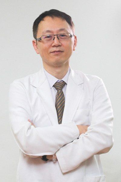 台中榮總大腸直腸外科主任蔣鋒帆。記者黃仲裕/攝影