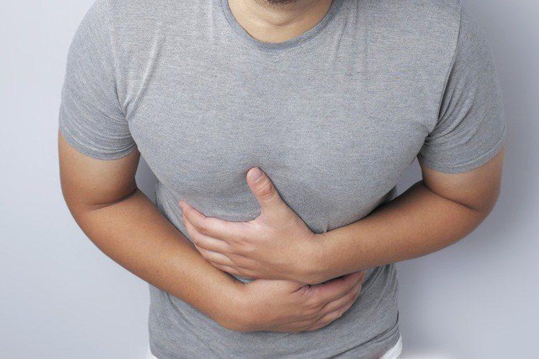長期腹痛、腹瀉,小心慢性腸道發炎。圖/123RF