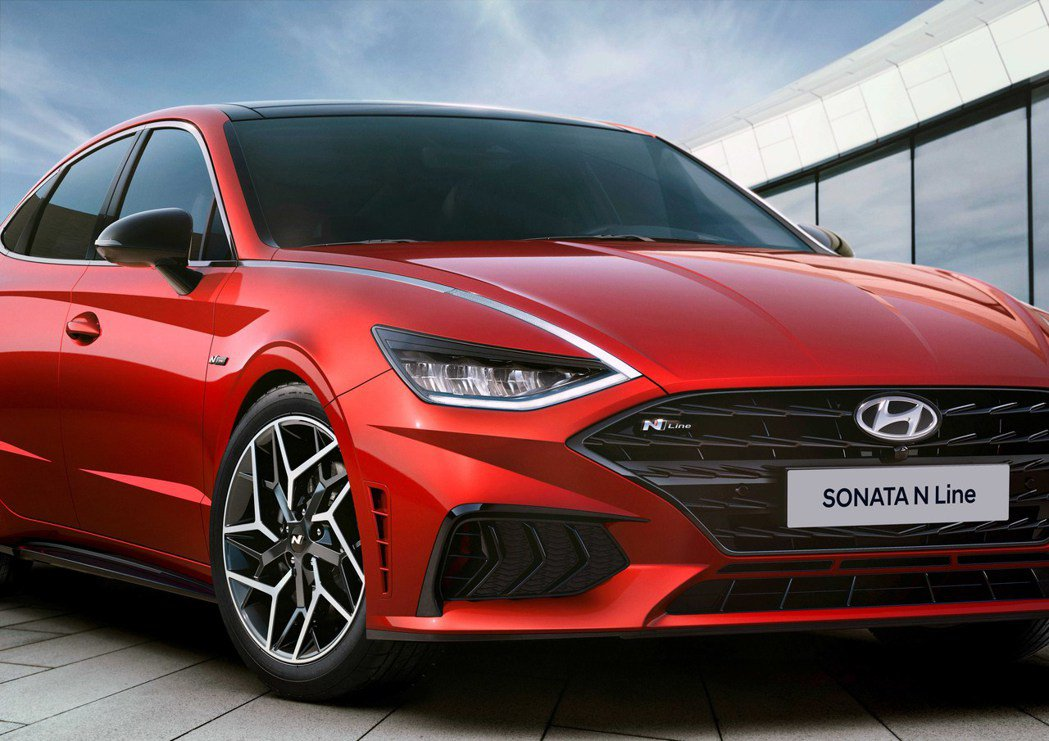 全新Hyundai Sonata N Line在今日(23)起先曝光外觀造型。 ...