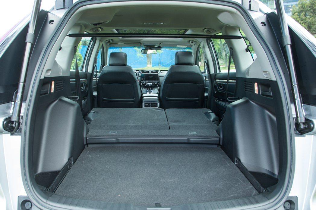 Honda CR-V擁有家庭客層最在乎的多元運用空間。 記者陳立凱/攝影