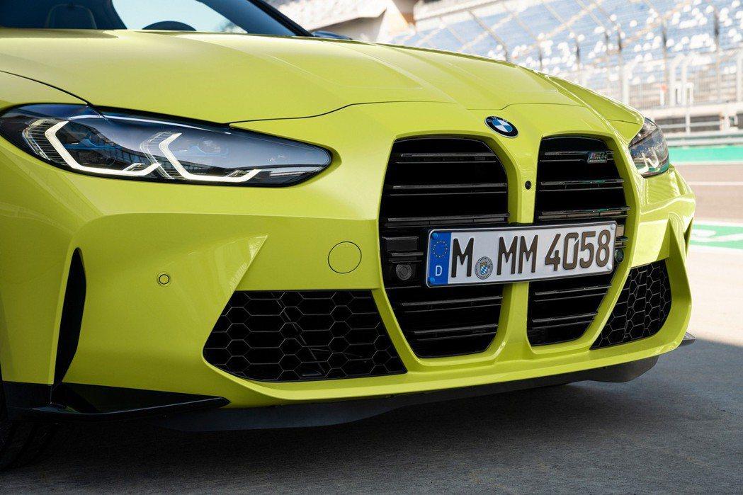 新世代大型雙腎水箱護罩能增加進氣量並提升冷卻效果。 摘自BMW