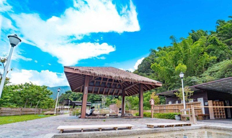 六龜花賞溫泉公園規畫大眾泡湯池、足湯與手湯。 圖/業者提供