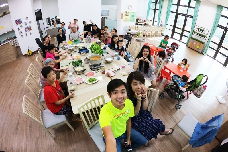 台中市豐原安康社會住宅「社會服務站:安康好鄰店」即是整合性社區福利服務的範例。 圖/臺中共好社宅-共同好好生活在一起