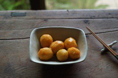 【怡安的四季食材色彩】秋分:沙梨金黃.金針花橘黃