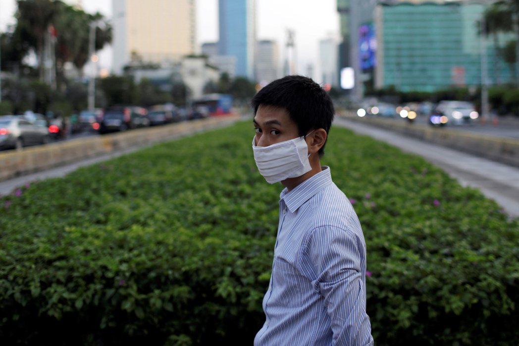 印尼衛生部數據顯示,今天境內通報新增4465人確診2019冠狀病毒疾病(COVI...