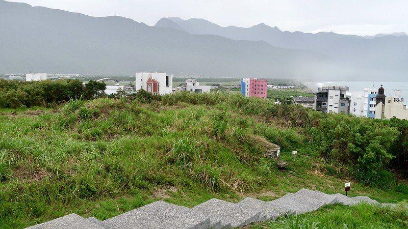 從四八高地戰備坑道的觀景台,眺望七星潭