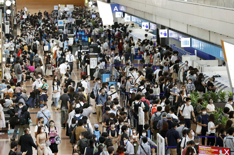 日本正在考慮,10月起接受來自所有國家的外籍旅客。  圖/美聯社