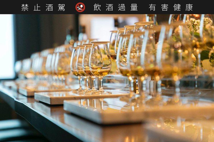 威士忌的美好世界,令人心馳神往。記者/高婉珮攝影。提醒您:禁止酒駕 飲酒過量有礙...
