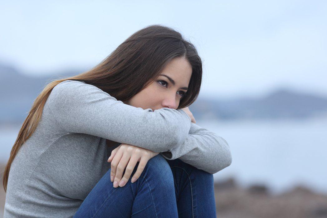 據統計,全球每年有近80萬人死於自殺,台灣每年則有近4千人自殺死亡,其中,飽受憂...
