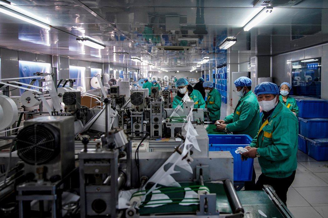 中國社會對於民企向來有「56789」之說,意即民營企業貢獻中國五成以上稅收、六成以上GDP、七成以上創新產能、八成以上城鎮就業,以及九成以上的新增就業和企業數量。 圖/路透社
