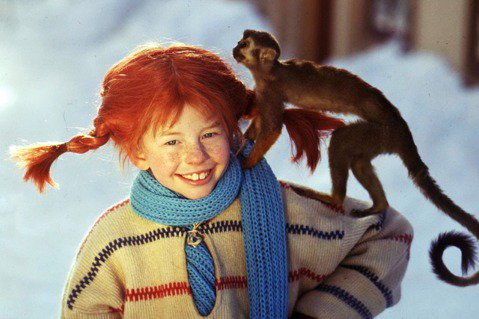 《長襪皮皮》出版至今已75個年頭,是瑞典家喻戶曉的經典童書,至今被翻譯成92種語...