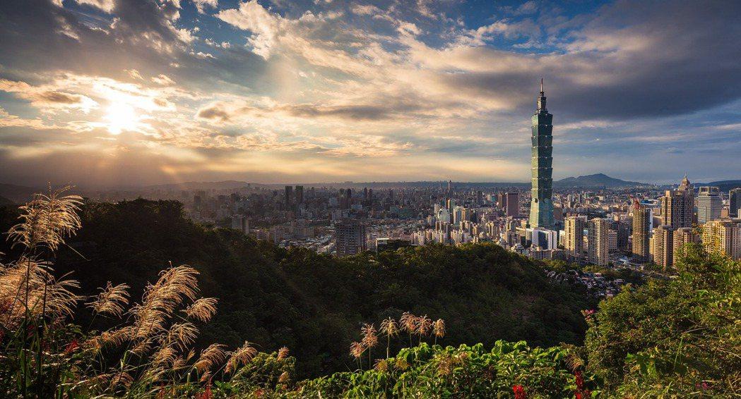港人對台灣田園想像的熱愛伴隨著反中情緒。換言之,在此類敘事中,對於台灣是個好地方...