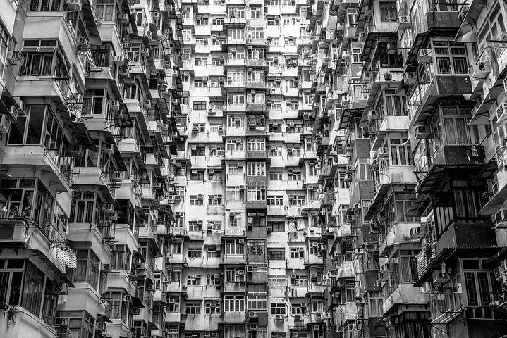 遠離家鄉的新生活讓港人能遠距離審視香港,重思在雨傘運動之後對家鄉的愛與責任。 圖...