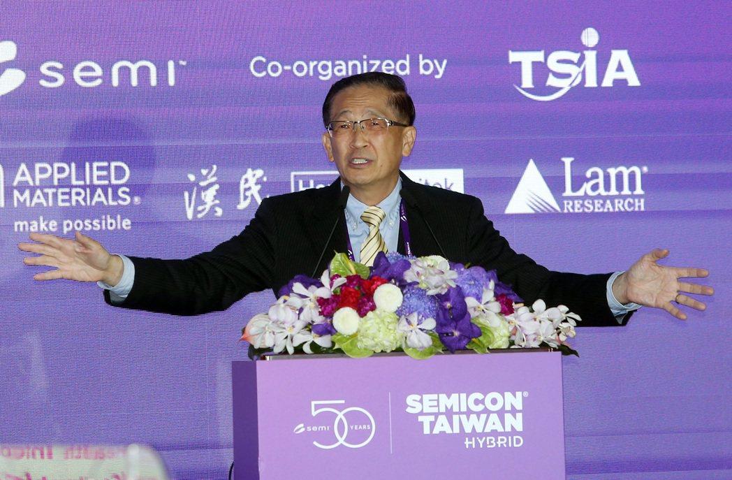 SEMICON TAIWAN 國際半導體展大師論壇,鴻海副董李傑出席。記者曾吉松...