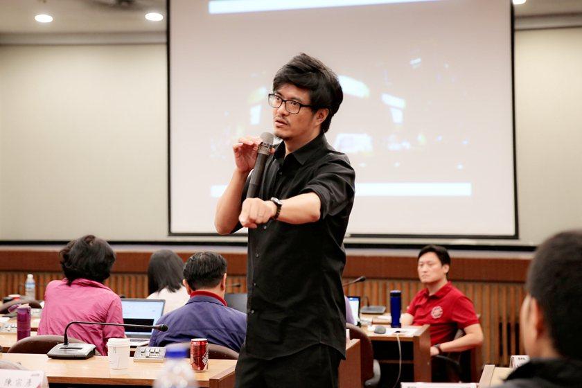 建築師王喆為臺中歌劇院建造期間的專案設計經理,對於設計團隊的想法以及施造的過程瞭...