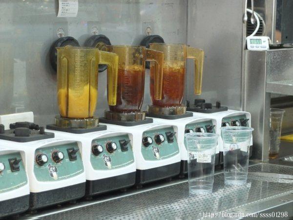 使用漩茶機現點現萃,現萃技術保留自然茶香,每一口都喝得到新鮮滋味