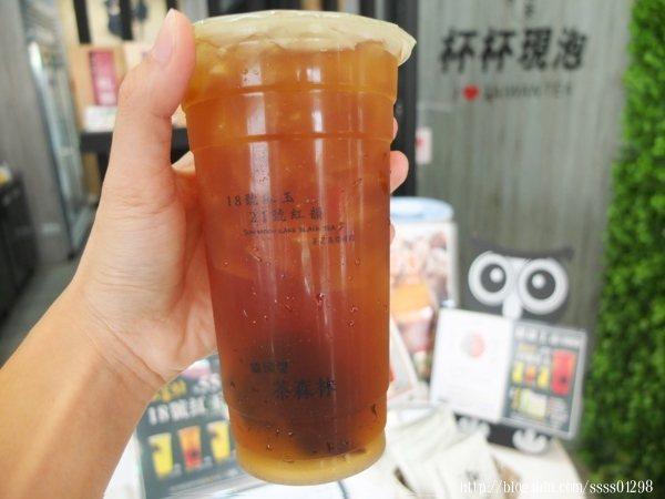 18號寶石紅玉紅茶45元(微糖少冰),沖泡後的茶葉帶有天然肉桂香及薄荷香