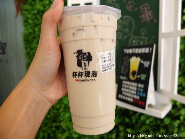 米其林奶茶60元,以烏龍奶為基底,因烘焙方式不同,味道有別於一般烏龍茶