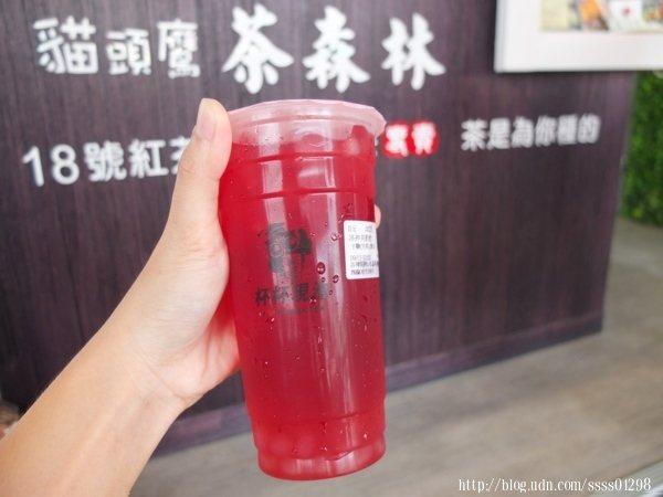 洛神美肌飲60元,半糖(完美比例)微冰,洛神現萃+水晶球+檸檬汁