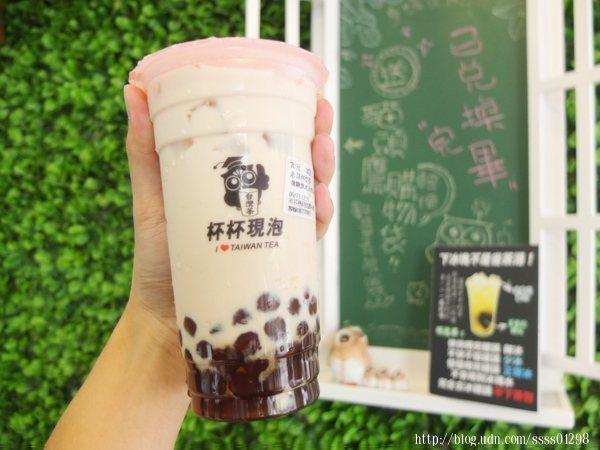 米其林奶茶(微糖微冰)+手作天然珍珠70元,店內熱銷人氣王,非常搶手!