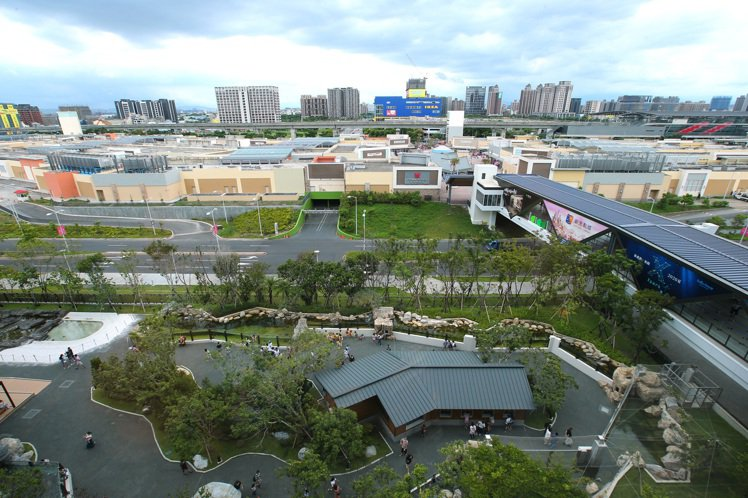 桃園青埔高鐵特區近年因為交通建設、大型商場、休閒生活機能陸續到位,近一年移入人口...