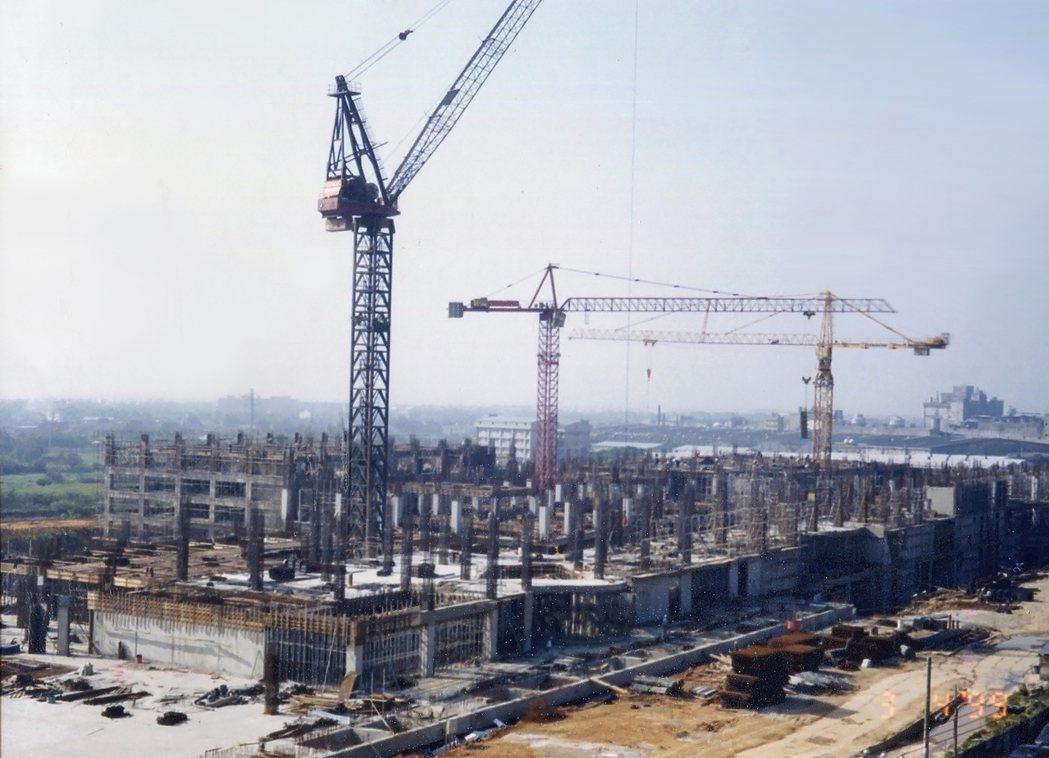 大江購物中心建蓋前,周邊望眼所及無高樓。圖/大江購物中心提供