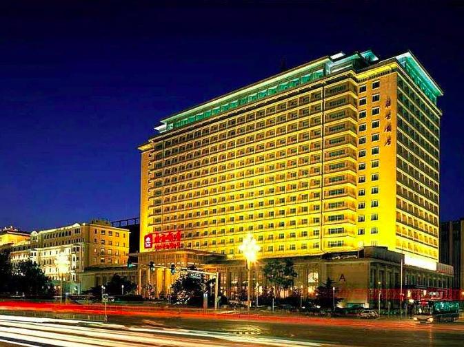 參加大陸「國慶晚宴」的台胞台青,將下塌於北京飯店。(新浪微博照片)