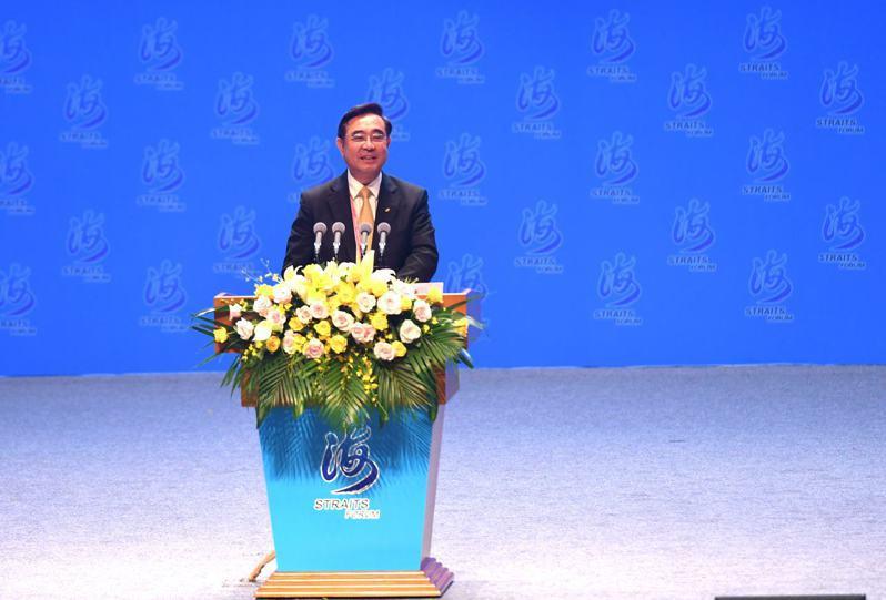 新黨主席吳成典日前在海峽論壇呼籲「一國兩制台灣方案」,陸委會表示要啟動調查。(中新社)