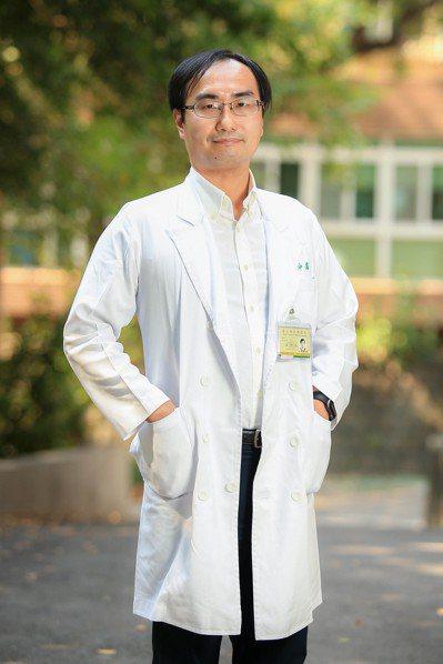 台北榮總高齡醫學中心醫師黃仲禹