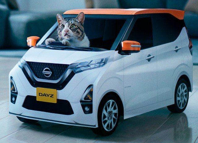 日產汽車最近公布的廣告中,竟出現喵星人專用車。圖擷取自まいどなニュース