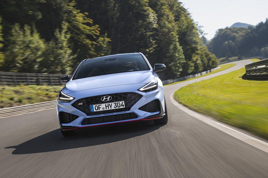 小改款Hyundai i30 N不只保留六速手排,更新增全新八速濕式DCT雙離合...