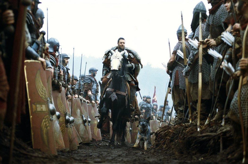 圖為電影《神鬼戰士》中,羅素.克洛飾演的羅馬帝國將軍麥希穆斯與士兵。 圖/《神鬼...