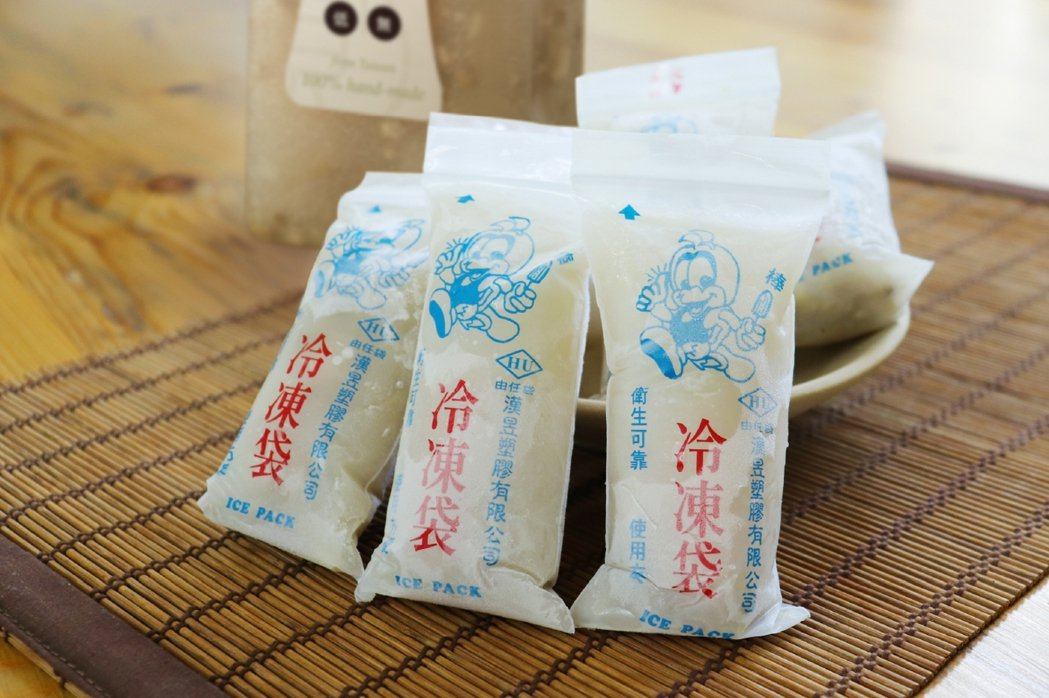 8more針對綠豆白木耳飲推出懷舊冷凍袋,讓許多人直呼懷念。 8more /提供