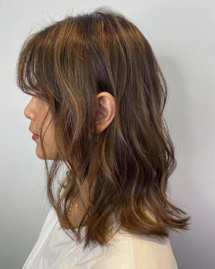 髮型創作/RAINBOW HAIR 忠孝店 / Rainbow Hair Abb...