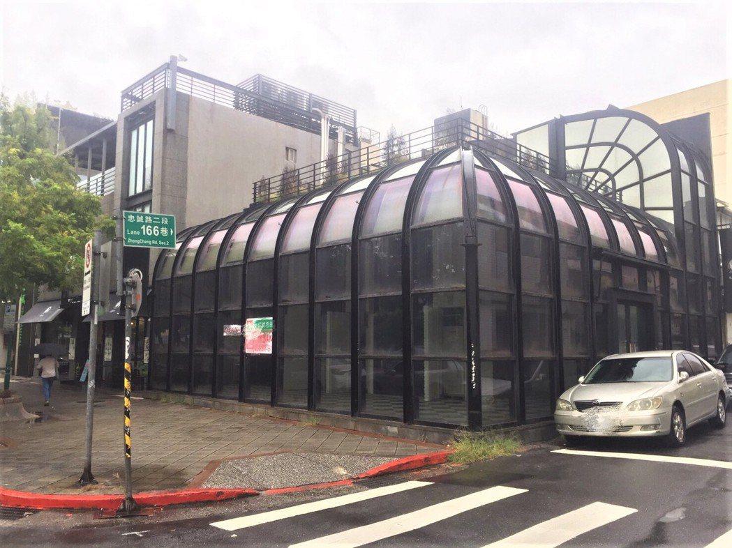 義式餐廳原本承租的透明屋現仍空置待租。圖/台灣房屋提供