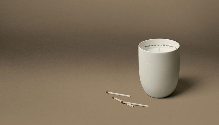 Aesop室內芳香蠟燭-阿加尼斯/300g/3,300元。圖/Aesop提供