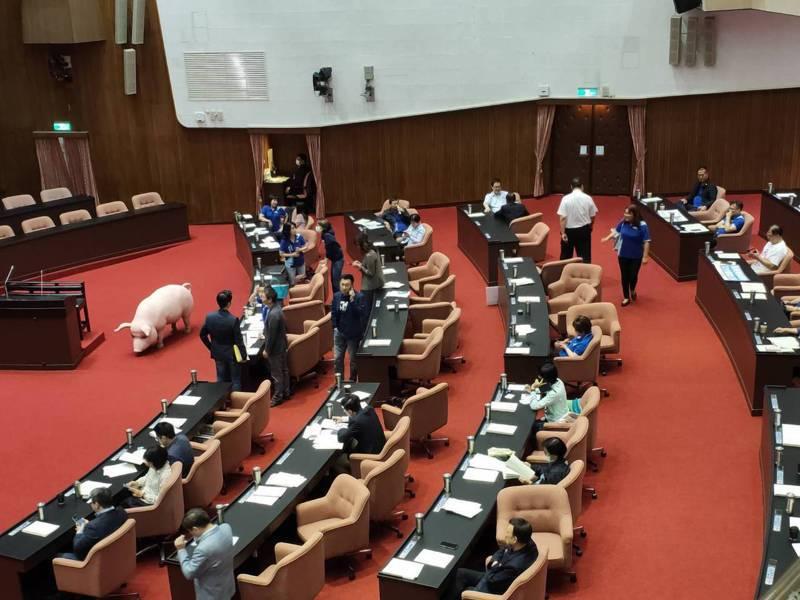 萊豬開放行政命令立院備查闖關,但經過協調,行政院同意將備查改為審查。圖/本報資料照片