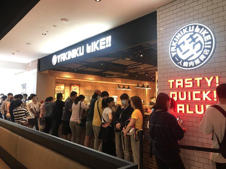 宏匯廣場齊聚多樣化美食餐飲,是人氣號召指標。記者江佩君/攝影