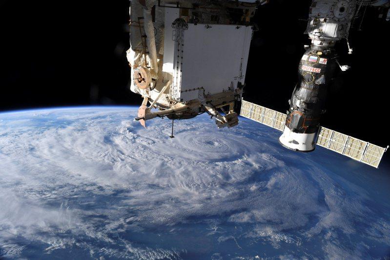 NASA署長布萊登斯坦23日向國會表示,國際太空站除役後,美國在地球軌道保有一席之地至關重要,如此一來中國才不會取得戰略優勢。路透