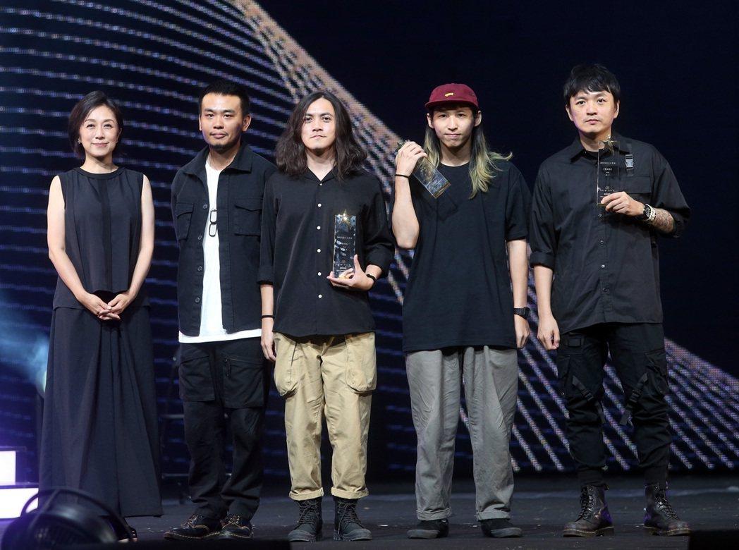 滅火器成軍20年,獲頒十大專輯,盼金曲獎得最佳樂團。記者曾吉松/攝影