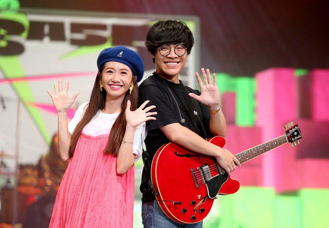 Lulu和盧廣仲擔任金鐘第二段主持人和表演者。記者余承翰/攝影