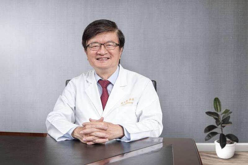 林口長庚紀念醫院長程文俊行醫30多年,致力於心臟衰竭的治療,他認為目前國內遠距醫療是趨勢,更鼓勵用醫療專業走出國際。圖/林口長庚紀念醫院提供