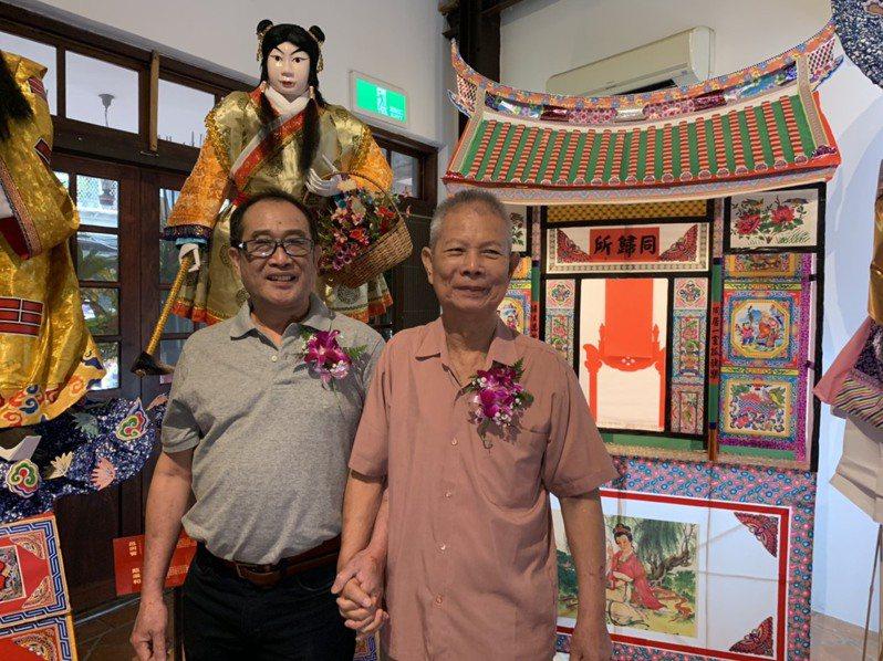 糊紙藝師李清榮(左)、張秋山(右)獲頒台北市傳統藝術藝師獎。記者趙宥寧/攝影