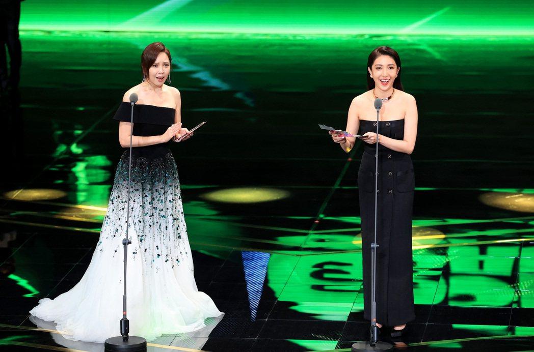 第55屆金鐘獎頒獎典禮在國父紀念館舉行,楊謹華(右)與天心(左)好姐妹兩人一同擔