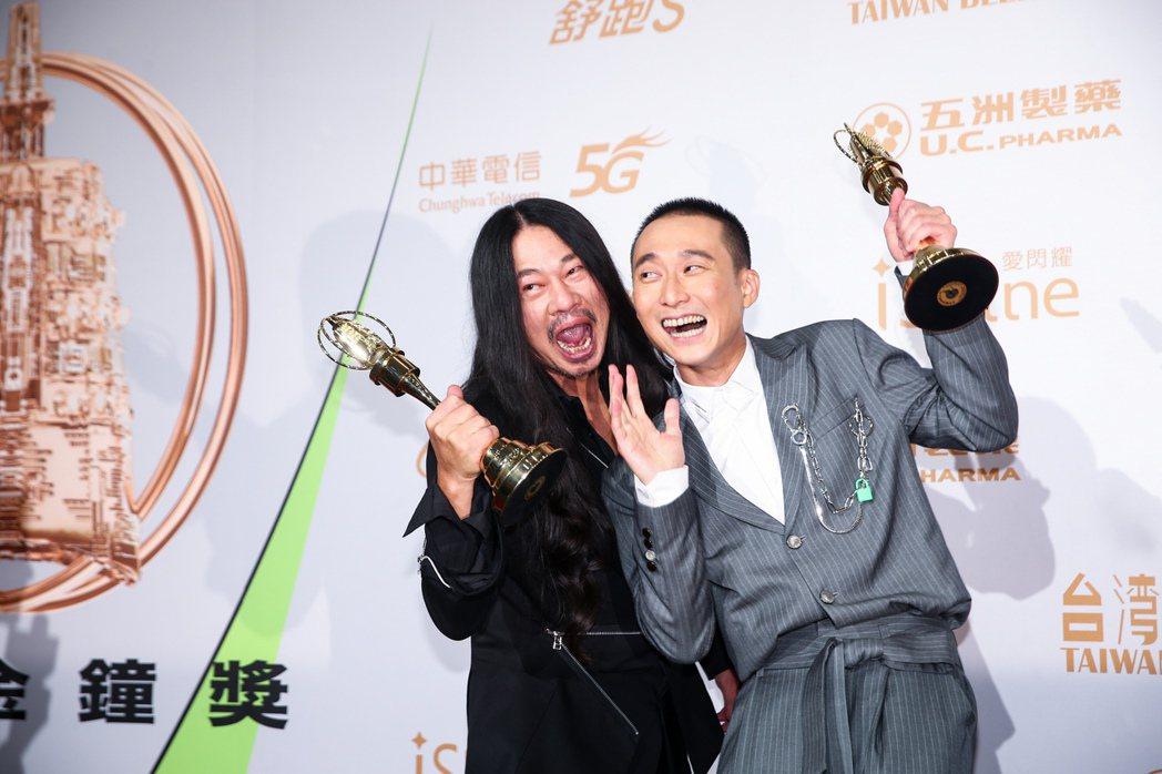 第55屆金鐘獎頒獎典禮在國父紀念館舉行,綜藝節目主持人獎由浩子(右)、亂彈阿翔(