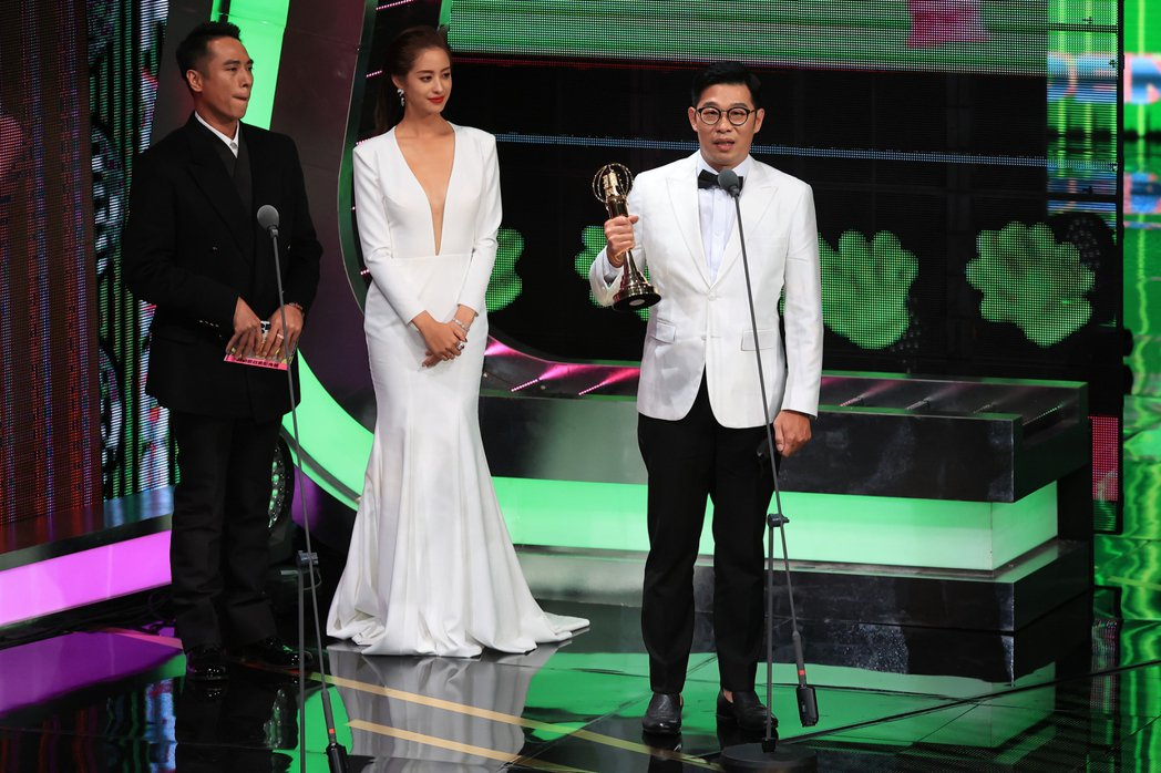 第55屆金鐘獎頒獎典禮在國父紀念館舉行,戲劇節目男配角獎由馬力歐(右)獲得。記者...