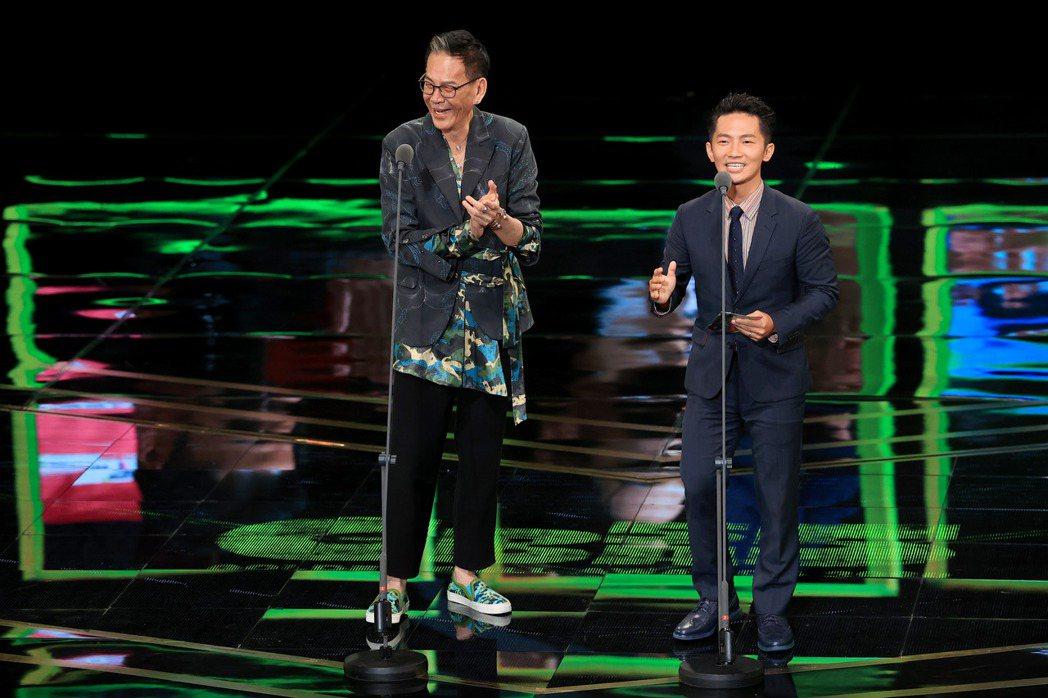 第55屆金鐘獎頒獎典禮在國父紀念館舉行,龍劭華(左)與蔡昌憲(右)擔任頒獎人。記