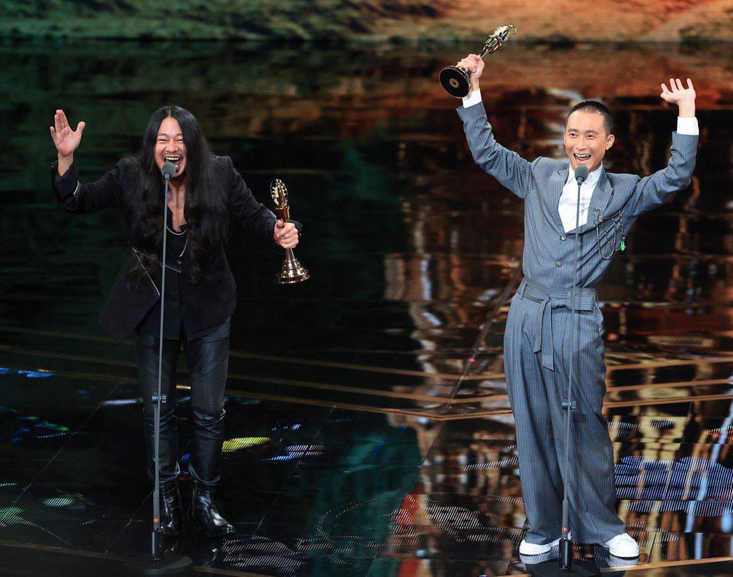 第55屆金鐘獎頒獎典禮在國父紀念館舉行,綜藝節目主持人獎由浩子、亂彈阿翔獲得。記...